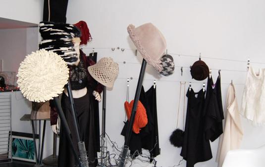 exhibi_2009_1